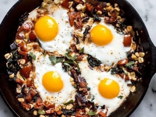 20-Minute Egg In Spicy Tomato Sauce