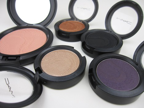 MACsnake1 MAC Year of the Snake Eye Shadows and Beauty Powder   review, photos & swatches