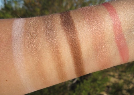 Benefit-Groovy-Kind-a-Love-swatches