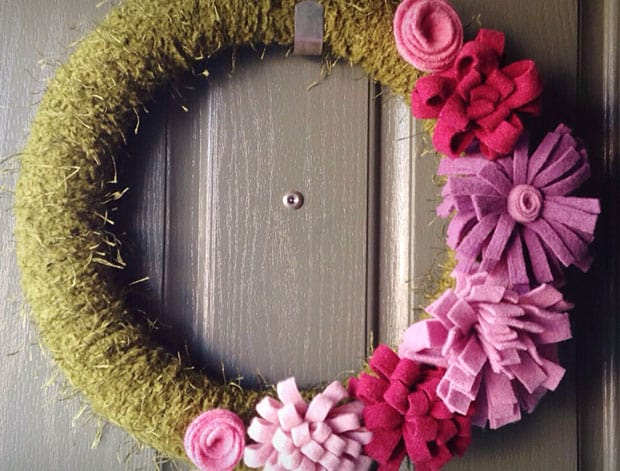 DIY Home Decor: Felted Sweater Spring Wreath | we heart this