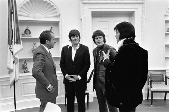Elvis Presley & Richard Nixon 1970