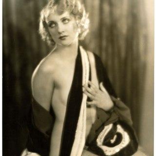 A risqué photo of Carole Lombard, 1929
