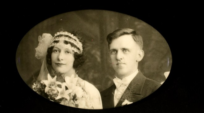 1920s wedding photo
