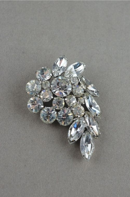Weiss large 1950s rhinestone swirl pin