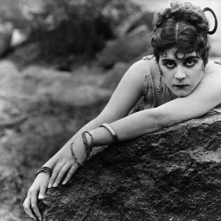 1920s Style Icons: Theda Bara
