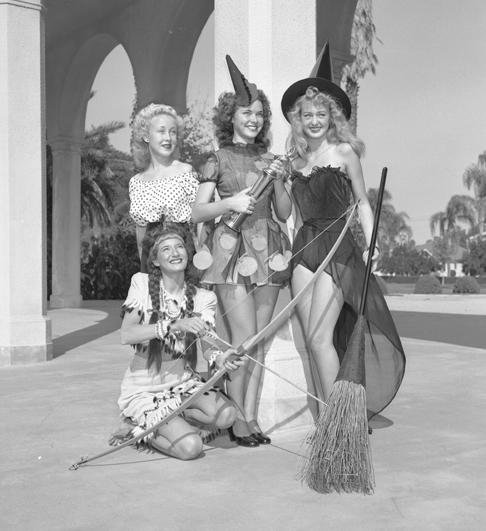 1940s Halloween costumes