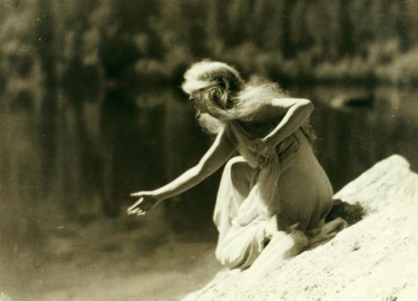Vintage Performers: Ruth St. Denis