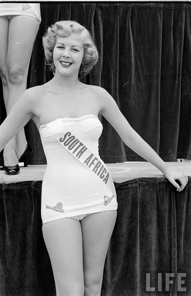 Miss South Africa at Miss Universe 1952