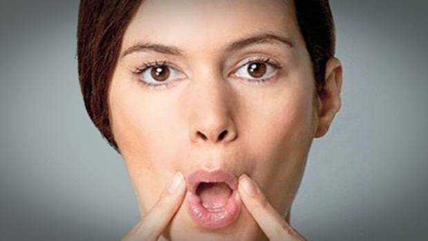 air into mouth exercise