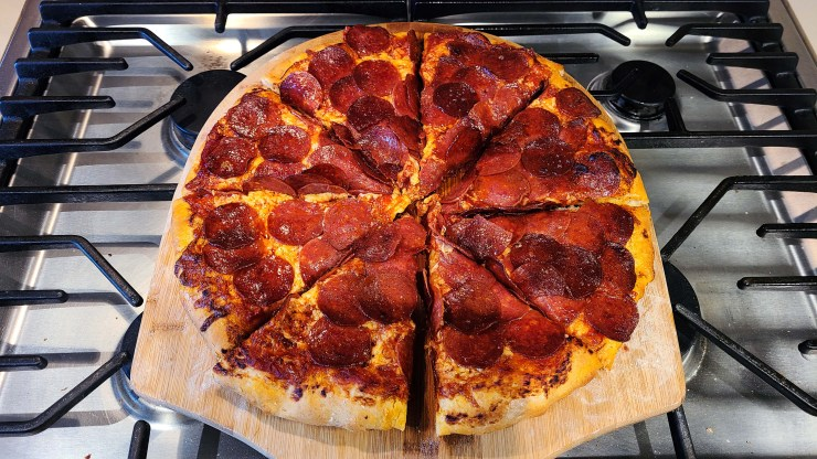 100 pepperoni pizza