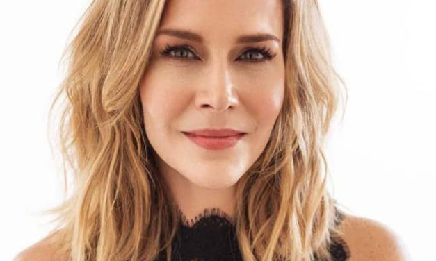 Julie Benz – Do I know them from somewhere?