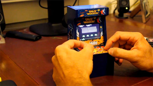 mini space invaders arcade cabinet/machine