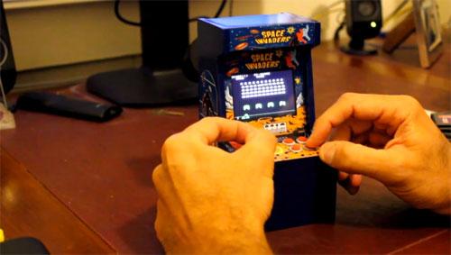 mini space invaders arcade cabinet/machine