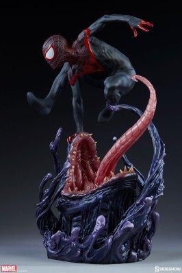 marvel-spider-man-miles-morales-premium-format-figure-sideshow-300554-07
