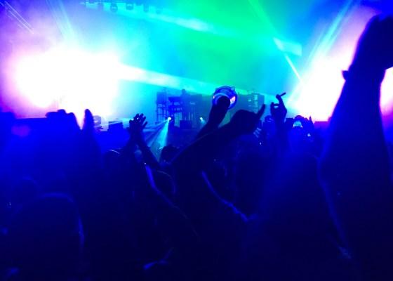 Le public devant les Chemical Brothers!