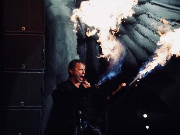"""Allumez le feu ...!"""