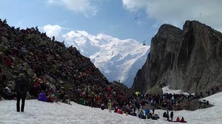 Le cadre du Brévent et le massif du Mont Blanc, un des sites du 9ème Cosmojazzz de Chamonix.