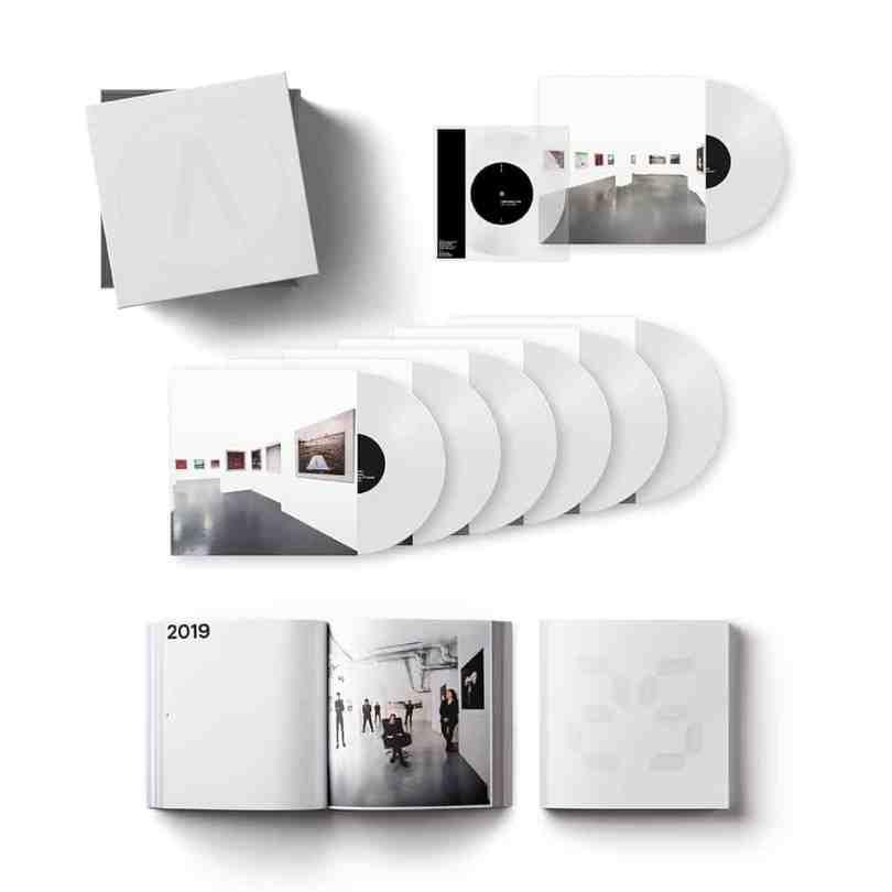 Le coffret Deluxe de l'album 25 du groupe Archive paraissant le 10 Ma