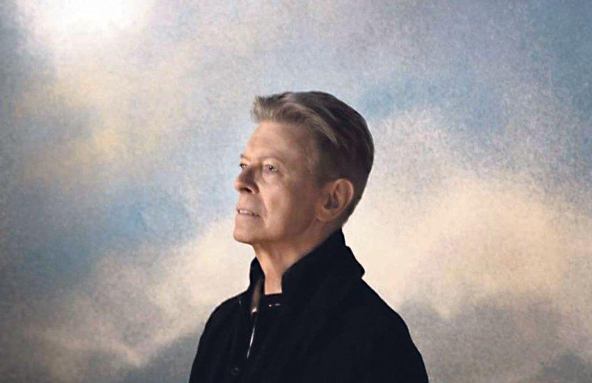 David-Bowie-sur-son-etoile-noire