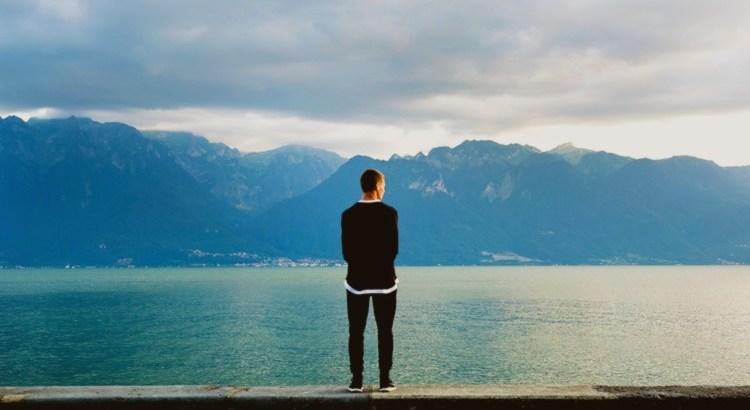 Es amüsiert mich immer, wenn Menschen all ihr Unglück dem Schicksal, dem Zufall oder dem Verhängnis zuschreiben, während sie ihre Erfolge oder ihr Glück mit ihrer eigenen Klugheit, ihrem Scharfsinn oder ihrer Einsicht begründen. - Samuel Taylor Coleridge