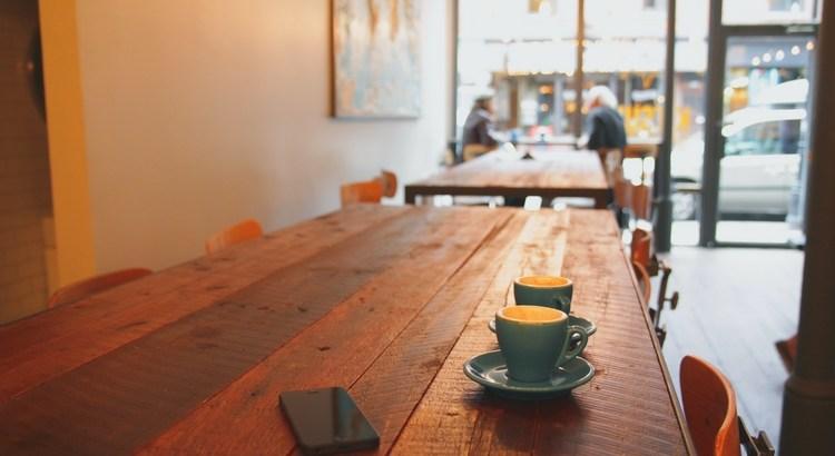 Freundschaft ist, wenn der Kaffee doppelt schmeckt. - Esragül Schönast