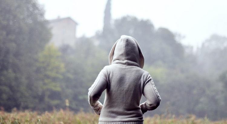 Dein Leben dreht sich nur im Kreis so voll von weggeworfener Zeit und Deine Träume schiebst Du endlos vor Dir her. Du willst noch leben irgendwann, doch wenn nicht heute, wann denn dann? Denn irgendwann ist auch ein Traum zu lange her. - Zitat von Peter Heppner