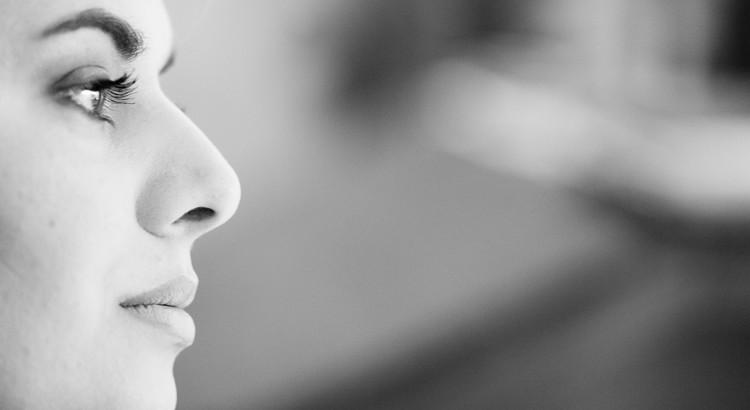 Schönheit reicht, um ins Auge zu fallen. Aber man benötigt Charakter, um im Gedächtnis zu bleiben. - Coco Chanel