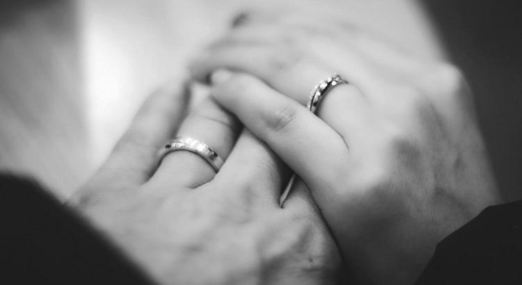 Liebe händchen halten Liebe: Du