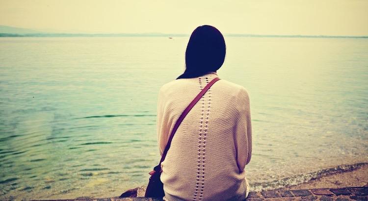 Hast du eine Herzenswunde, so berühre sie so wenig wie ein krankes Auge. Gegen Schmerzen der Seele gibt es nur zwei Arzneimittel: Hoffnung und Geduld. Pythagoras von Samos