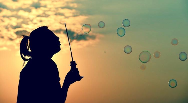 Es ist manchmal gut, die Sorgen so zu behandeln, als ob sie nicht da wären; das einzige Mittel, ihnen die Wichtigkeit zu nehmen. - Rainer Maria Rilke