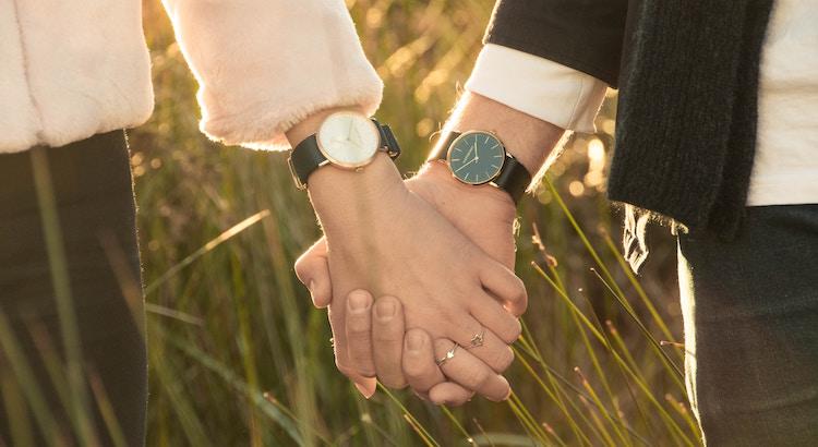 Wieviel du jemanden bedeutest, zeigt dir kein Geschenk das man dir macht, kein Wort, das man dir sagt. Wieviel du jemanden bedeutest, siehst du nur an der Zeit, die sich jemand für dich nimmt. - Unbekannt