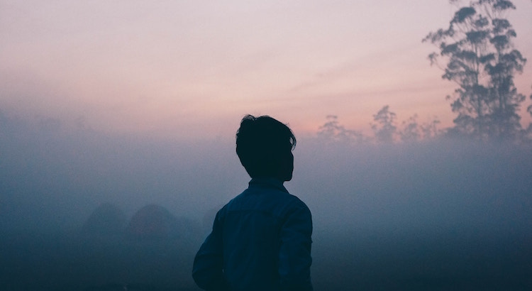 Wirklich sicher vor Enttäuschungen ist man nicht dann, wenn uns keiner mehr verletzt. Sondern erst, wenn wir ein wenig an unserer Erwartungshaltung schrauben. - Esragül Schönast