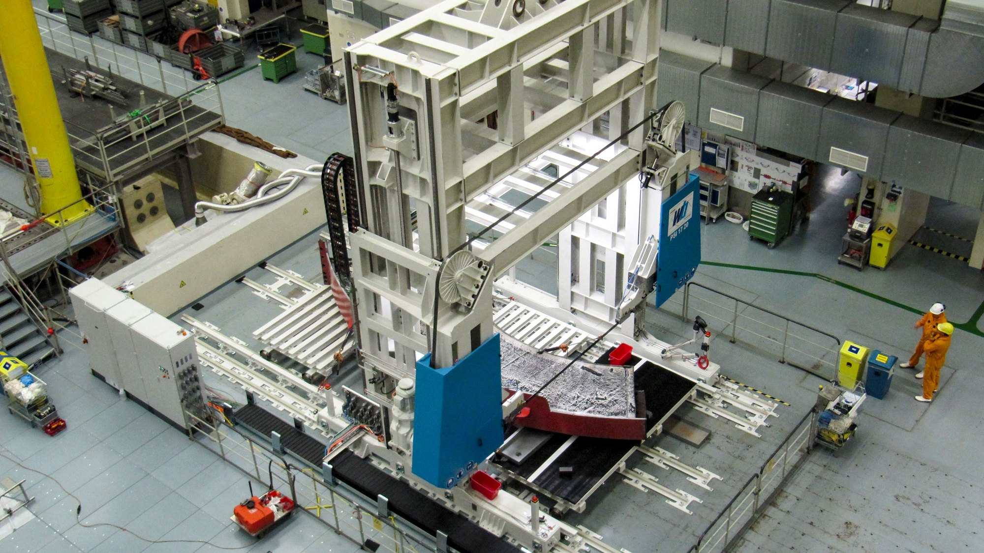 Large bandsaws for nuclear technology