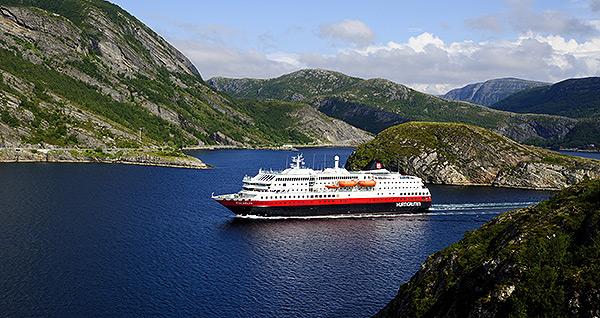 Hurtigruten. Norwegen mit dem Postschiff - Kai-Uwe Küchler