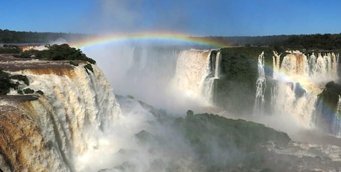 ein länderübergreifender Regenbogen
