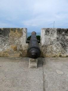 Die alten Kanonen schmücken noch die Stadtmauer von Cartagena