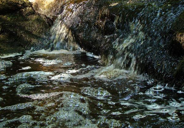 Bubbles in the Stream