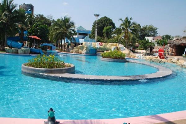 สวนน้ำ สวนสัตว์นครราชสีมา (//www.koratzoo.org)