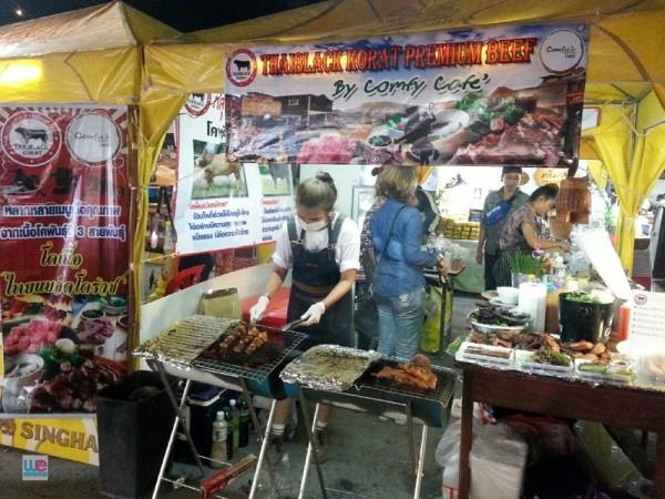 ร้าน Comfy Cafe' มาออกบูทขายเนื้อย่าง Thai Black