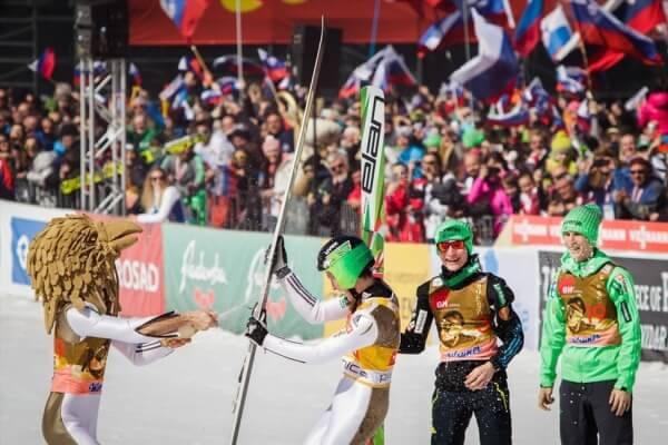 Обладатель второго места Кубка мира по прыжкам с трамплина 2016 Роберт Кранец Словения