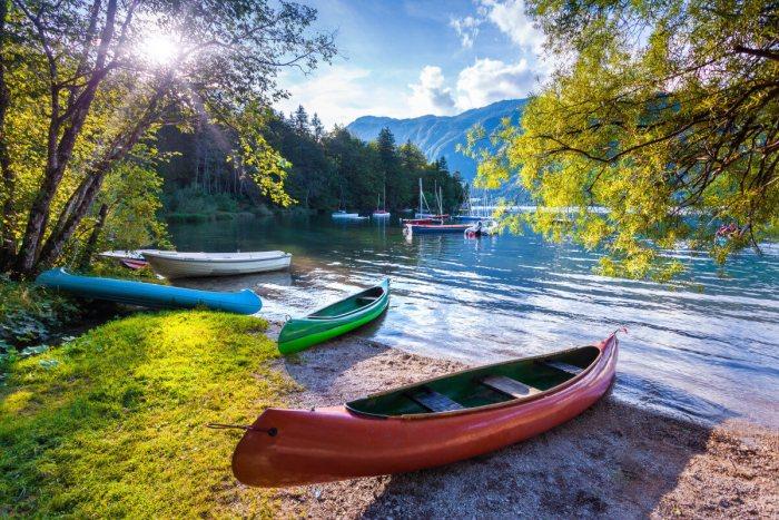 Горы Словении - байдарки и каякинг на озере Бохинь