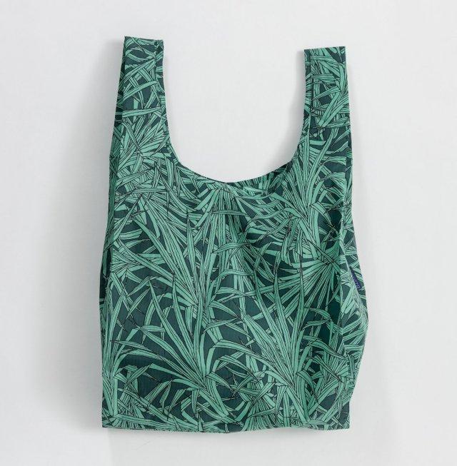 Nylon resuable bag with palm print.