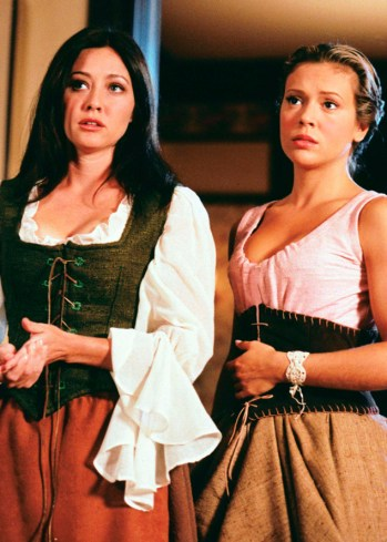 """CHARMED"" All Halliwell's Eve #304 OAD 10/26/2000 Pictured (l-r): Shannen Doherty as Prue Halliwell, Alyssa Milano as Phoebe Halliwell Photo Credit: The WB/Richard Cartwright"