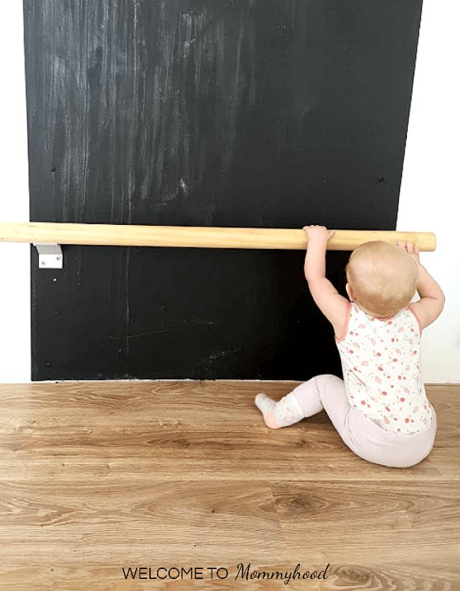 Montessori Baby Activities: Pull Up Bar #MontessoriActivities #babyactivities