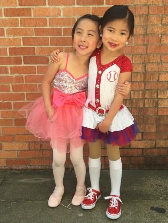 Two best friend dancers