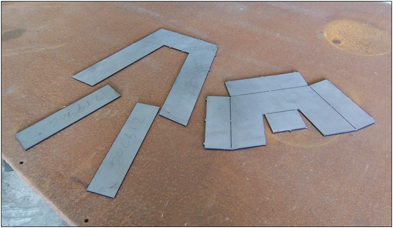 These are the pieces to build one notch. The kit includes enough plates to make a pair of notches.