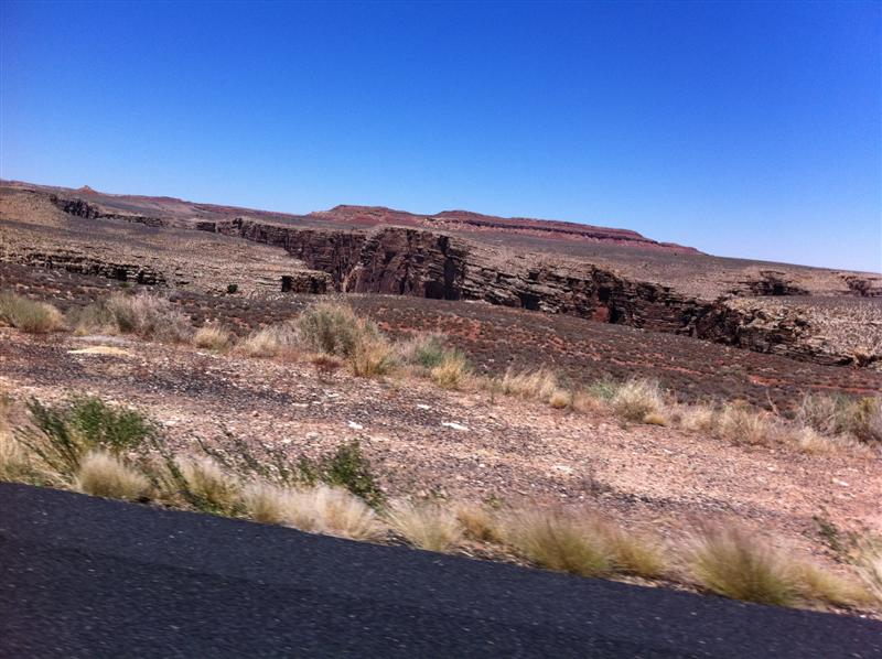 Starting to see some 'cracks' in the earth as we near the canyon itself.