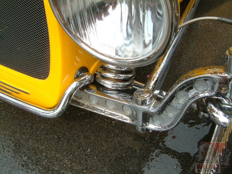 """Ron counterbored his axle then painted the inserts with a hammertone to set off the """"holes""""."""