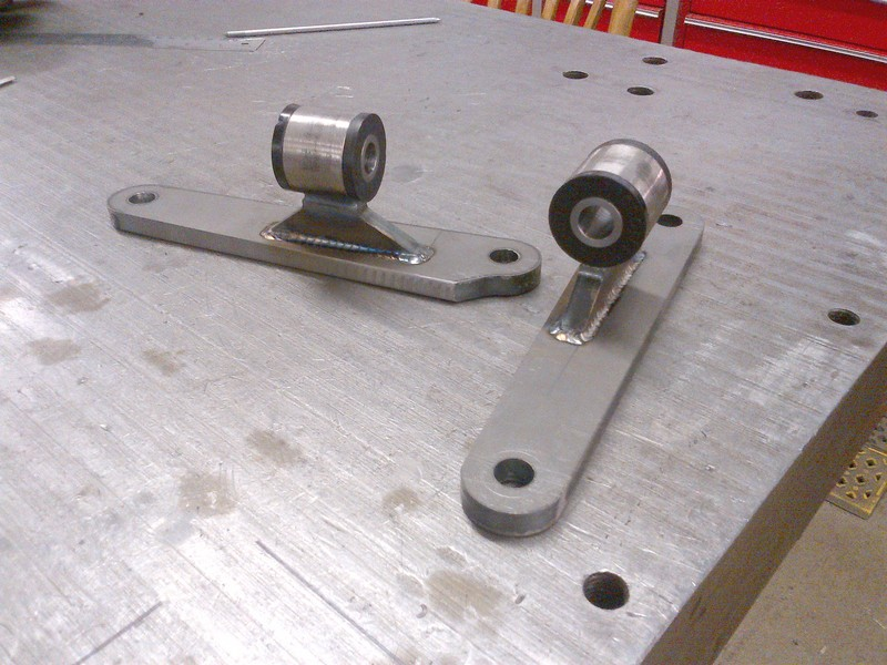 Modified small block Ford engine mounts