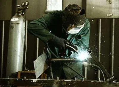 What is a MIG Welder & How Does It Work – A Beginners Guide